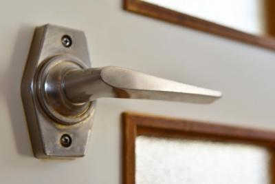 ドアの丸ノブ対策1
